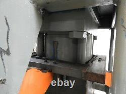 Caterpillar Shop 200ton H O Cadre Hydraulique Anneau Presse Tiroir 9 Perçage 7 Stroke